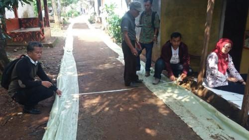 Pembangunan jalan Desa Bantuan Provinsi Desa Bojong Baru